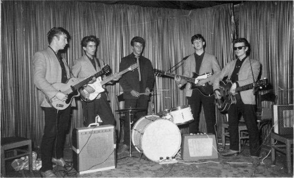 John Lennon, George Harrison, Pete Best, Paul McCartney, Stuart Sutcliffe