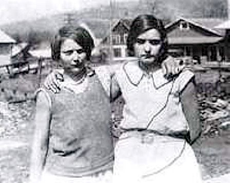 Victoria Price (left) and Ruby Bates (right) in 1931